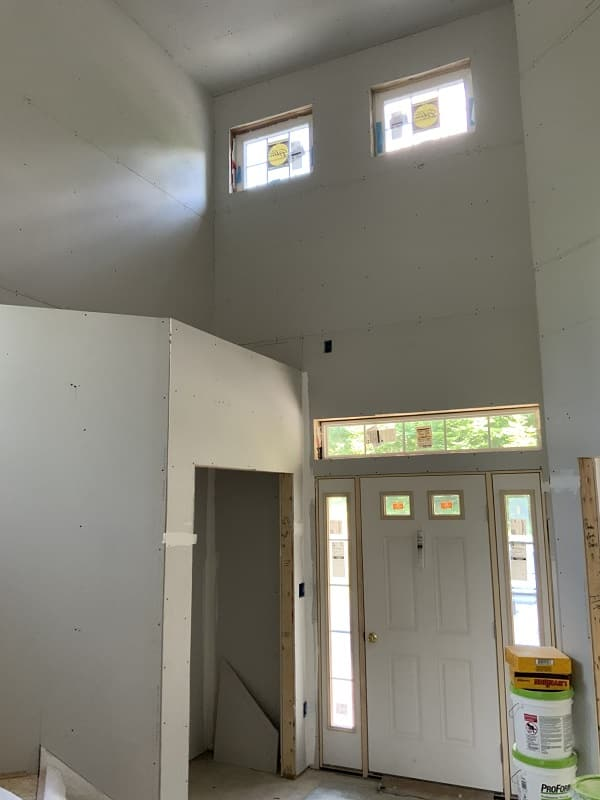 Geisler V1 construction foyer
